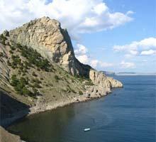 Азовское море менее обустроено, чем Черное, зато туристы ценят его за естественность природы и за очень хороший...