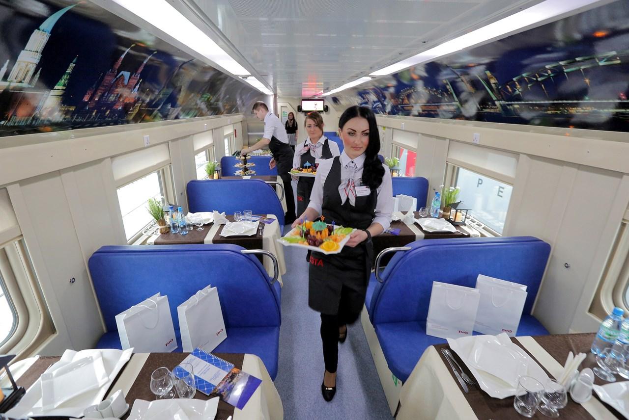 фото двухэтажного поезда москва-санкт-петербург